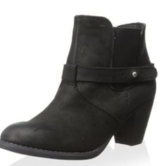 """Steve by Steve Madden """"Spunk"""" ankle boot Great all black Steve Madden ankle boots. Leather. Never worn. Size 8.5 Could fit an 8 decently as well. 2.75"""" heel . Steven by Steve Madden Shoes Ankle Boots & Booties"""