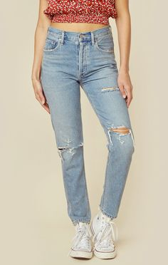 The jeans you need for every season! A Gold E's Jamie Hi Rise Classic features a high waisted relaxed fit with intentional destruction throughout and 5 pocket styling with button closure.   Made in US