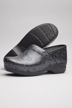ac752513d0aa Comfortable Clogs for Women