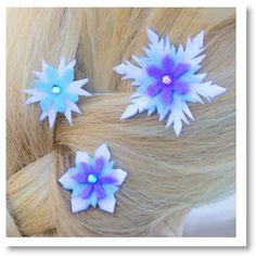 Elsa's Snowflake Hair Barrettes ♥ http://felting.craftgossip.com/2014/08/12/elsas-snowflake-hair-barrettes-tutorial-pattern/