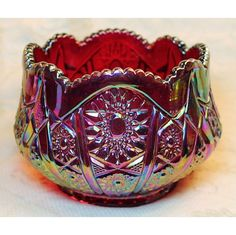Indiana Heirloom Red Carnival Glass Hobstar Arches Bowl is an absolutely stunning piece. This beautiful carnival glass bowl is a large classic geometric Hobstar pattern with a saw tooth edge on the s