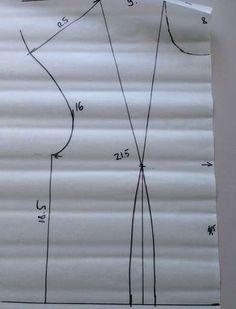 Платье будет сидеть идеально! Выкройка своими руками – без расчетов и формул Easy Sewing Patterns, Clothing Patterns, Dress Patterns, Knitting Patterns, Sewing Hacks, Sewing Tutorials, Create And Craft, Pattern Drafting, Pattern Making