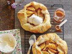 caramel-apple-galette-food-for-friends-food-walmart-en Apple Galette, Pie Dessert, Cobbler, Caramel Apples, Tarts, Camembert Cheese, Food To Make, Crisp, Sweet Tooth