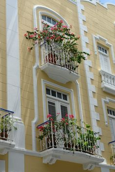 Beautiful architecture / balconies / Puerto Rico / Pin me!
