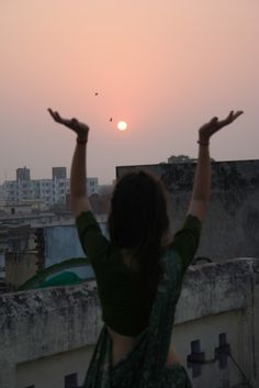 praise to the sun!