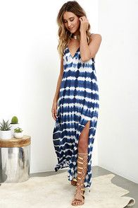 Travel to a tucked away sandy shore with the Lost Coastlines Blue Tie-Dye Maxi Dress! Breezy maxi dress with a tying drawstring neckline and twin thigh-high slits. Vestido Tie Dye, Tie Dye Maxi, Tie Dye Dress, Diy Fashion Dresses, Casual Dresses, Fashion Outfits, Summer Dresses, Maxi Dresses, Summer Maxi