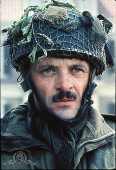 Lieutenant Colonel John frost played by Anthony Hopkins in 'A Bridge Too Far'. British Army Uniform, British Soldier, Sir Anthony Hopkins, War Film, King And Country, Martin Scorsese, Movie Photo, Hollywood Actor, British Actors