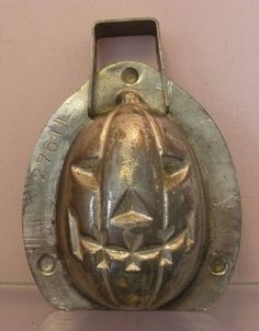 This Halloween  I thought I'd post some pictures of great Chocolate Molds . After all, Halloween  is all about chocolate! These are not my m...