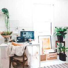 Studio days are quickly becoming my favourite 🌞 Ten Minutes, Train Travel, Desk, Studio, Furniture, Home Decor, Table Desk, Studios, Interior Design