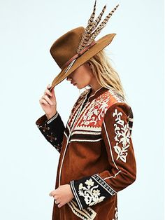 As a maaajor Free People collector, this is definitely my dream outfit right now. Absolutely killing it with their Fall line. Fallon Felt Tip Hat + Cavalier Jacket. Look Fashion, Autumn Fashion, Womens Fashion, Fashion Trends, Street Fashion, Mode Style, Style Me, Estilo Boho, Western Wear