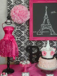 Segredinho da vovó. A festa decorados com elegância parisiense é perfeito para as meninas mais jovens e para jovens e adolescentes. O que é um tema divertido por tantos séculos .Vestidos, sobremesas vai fazer a festa chique,o bolo com uma vista para a Torre Eiffel .Biscoitos e mini bolos são uma delícia decorado com símbolos …