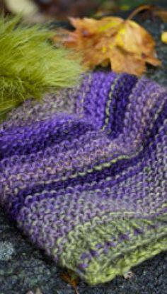 Strikkeopskrift på varm hue | Lunt vintertilbehør | Strik huer til alle i yndlingsfarverne | Hue med kvast |Fin kombination af teknik og farve | Håndarbejde