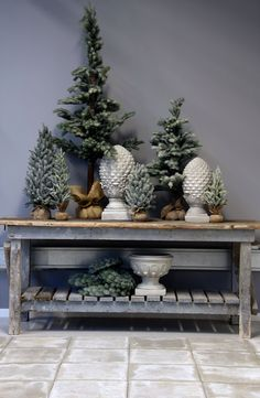 table with wood top, painted base Pine Christmas Tree, Christmas Porch, Natural Christmas, Noel Christmas, Outdoor Christmas, Rustic Christmas, Beautiful Christmas, Minimal Christmas, Simple Christmas