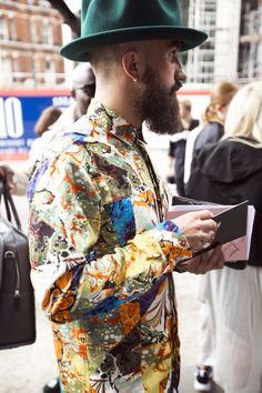 The Classy Issue Fashion Art, Mens Fashion, Fashion Outfits, Style Fashion, Man Skirt, Clean Shaven, Hipster Man, Sartorialist, Gentleman Style