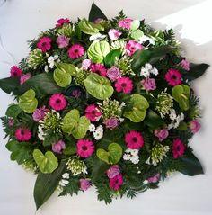 David's Hof - Fleurs & Plantes Fleurs deuil : n° 205 - Coussin - Prix 125,00 euro Dimension : Ø 85cm