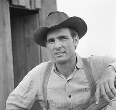 American actor Dennis Weaver - poses in character as 'Chester Goode' of the television Western series 'Gunsmoke,' June Clint Walker, Bizarre Pictures, Professional Photo Lab, The Virginian, Tv Westerns, Old Movie Stars, Thing 1, Old Shows, Matt Dillon