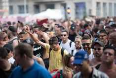 Photos of Street Parade Zurich 2019 - Colours of Unity. The biggest techno festival in Europe, Street Parade takes place once every Summer Techno Festival, Meet Friends, Crazy Outfits, Great Photos, Unity, Condo, Events, Colours