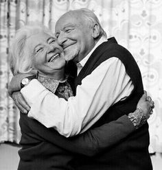 Marriage is a life long course in learning to be unselfish~Rick Warren Older Couples, Couples In Love, Mature Couples, Grow Old With Me, La Vie Est Belle, Still In Love, Old Age, Forever Love, Forever Young