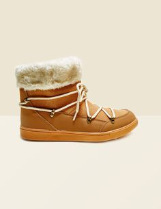bottines fourrées à lacets camel - http://www.jennyfer.com/fr-fr/accessoires/chaussures/bottines-fourrees-a-lacets-camel-10012372002.html