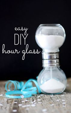 quick and easy DIY hourglass craft.but could create a science lab.varying amount of sand or size of hole.use stop watch to time.or possibly give a target time and have students determine how much sand it would take to hit that time. Creative Crafts, Easy Crafts, Easy Diy, Crafts For Kids, Crafts To Make, Mason Jar Crafts, Mason Jars, Do It Yourself Inspiration, Bottles And Jars
