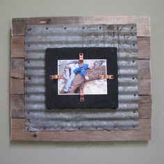 wood pallets Corrugated Tin and Pallet Wood diy - If you love metal and pallet wood, this corrugated tin project tutorial is what you're looking for. A rustic industrial looking corrugated tin photo frame. Rustic Picture Frames, Picture On Wood, Wood Photo, Rustic Frames, Barn Tin, Barn Wood, Metal Crafts, Wood Crafts, Wood Pallets