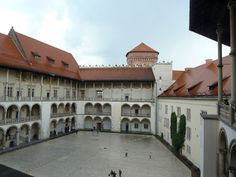 Zamek na Wawelu po rzęsistej ulewie