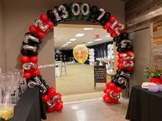 Arches & Columns - The Balloon People Casino Themed Centerpieces, Fiesta Decorations, Balloon Decorations, Balloon Backdrop, Balloon Columns, Balloon Garland, Prom Balloons, Black Balloons, Casino Theme Parties