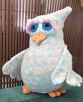 Ravelry: Eule Gwendoline XXL Kuscheltier Amigurumi + Hase + Katze pattern by berli design