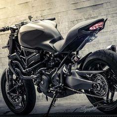 Consulta Esta Foto De Instagram Ducatistagram O 199 Mil Me Gusta Moto DucatiDucati MotorcyclesConcept MotorcyclesDucati Monster 821Ducati