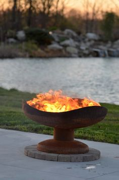 Sand Dune Custom Fire Pit by The Fire Pit Gallery. My daughter, Melissa Crisp, creates this amazing sculptural functional art. Fire Pit Oven, Fire Pit Bowl, Fire Bowls, Fire Pits, Steel Fire Pit, Wood Burning Fire Pit, Fire Pit Backyard, Backyard Bbq, Fire Pit Sphere