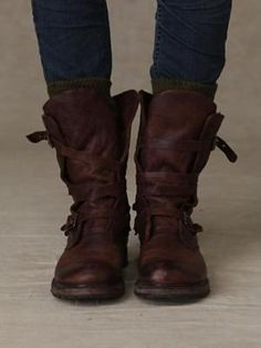 Excited for Fall BOOTS! - Leather Boots - Ideas of Leather Boots - Rayna Wrap Boots by Free People :: (Super soft & supple) Leather wrap boot with buckle detailing on the side of either boot. Cute Shoes, Me Too Shoes, Casual Chic, Look Fashion, Fashion Shoes, Milan Fashion, Diy Fashion, Winter Fashion, Fashion Outfits
