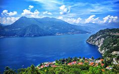 Download wallpapers Lake Como, summer, mountains, blue sky, Italy