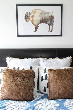 DIY tree stamp pillows | http://www.hammerandheelsblog.com/watercolor-art-giveaway/