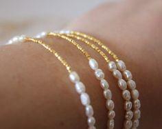 Nacre et or Bracelet - Bijoux de mariage - Bridal Bracelet - demoiselle d'honneur-cadeaux - Bracelet de perles d'eau douce - minimaliste Bracelet
