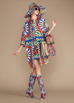 Dolce   Gabbana Women s Carretto Siciliano Collection Summer 2016   Dolce    Gabbana Sacolas, Passarela 49755ab010
