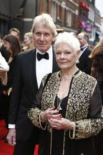 Judi Dench on the red carpet for the Olivier Awards 2016 with MasterCard Judi Dench, Red Carpet, Awards, Glamour, Woman, Women, The Shining
