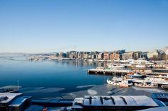 Oslo is anders dan de meeste Europese steden. Het overweldigende natuurschoon waar je Noorwegen mee associeert, dringt door tot in de stad. Zelfs in het hart van de stad voel je hoe zuiver de Noorse lucht is! via effefoetsie.nl