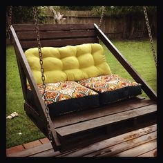 porch swing made from 2 pallet