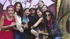 Pan Nalin se ha enfrentado al todopoderoso Bollywood con '7 diosas', una historia vitalista y contagiosa, donde las mujeres son las protagonistas en un país, India, que está considerado el peor del G20 para ser mujer. El filme acaba de estrenarse aquí