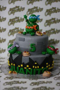 TORTA TORTUGAS NINJA HAPPY DAY CUPCAKE BOGOTA Star Wars Birthday, Star Wars Party, Ninja Turtle Party, Ninja Turtles, Monster High Cakes, Easy Minecraft Cake, Lego Invitations, Batman Cakes, Lego Cake