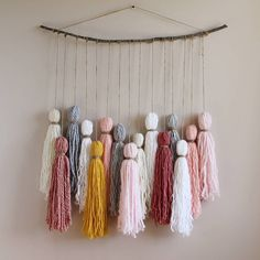 Most up-to-date Pics boho Yarn art Concepts Yarn Wall Art, Yarn Wall Hanging, Diy Wall Art, Diy Wall Decor, Art Yarn, Decor Room, Wall Hangings, Hanging Art, Yarn Crafts For Kids
