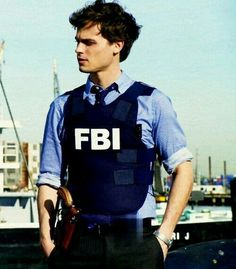 Spencer Reid (Matthew Gray Gubler) in Criminal Minds. The short hair suits him much better than the longer shag he has now . Dr Spencer Reid, Spencer Reid Criminal Minds, Spencer Reed, Criminal Minds Bau, Criminal Minds Garcia, Criminal Law, Jake Gyllenhaal, James Mcavoy, Hommes Sexy