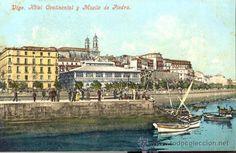 Hotel Continental, Mercado de A Laxe y al fondo las Torres de La Colegiata.