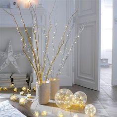 Mettez de la magie dans votre déco avec ces 3 boules lumineuses, de tailles différentes, à poser à même le sol, sur les marches d'un escalier ou sur un meuble…