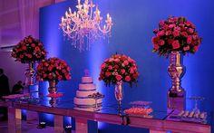 Confira todos os detalhes da festa azul turquesa e rosa