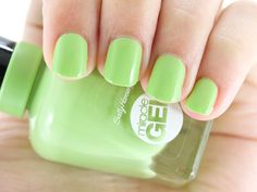 Sally Hansen Miracle Gel in Wet My Whistle