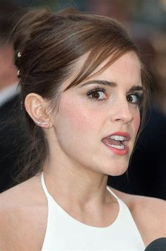Bildergebnis für Emma Watson Most Exposed Emma Watson Beautiful, Emma Watson Sexiest, Celebrities Exposed, Hottest Female Celebrities, Celebs, Logan Lerman, Daniel Radcliffe, Hermione Granger, Emma Watson Images