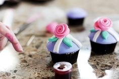 DIY fondant covered cupcakes   by Ree Drummond / The Pioneer Woman, via Flickr