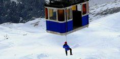 Das Abseilen aus einer Gondel wie hier am Schneefernerhaus ist noch immer Standard bei einer Rettungsmaßnahme. ©Tüv Süd #mountaintalk