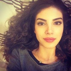 Turkish Beauty, Turkish Actors, Film Movie, Beautiful Women, Make Up, Celebrities, Hair Styles, Africa, Faces